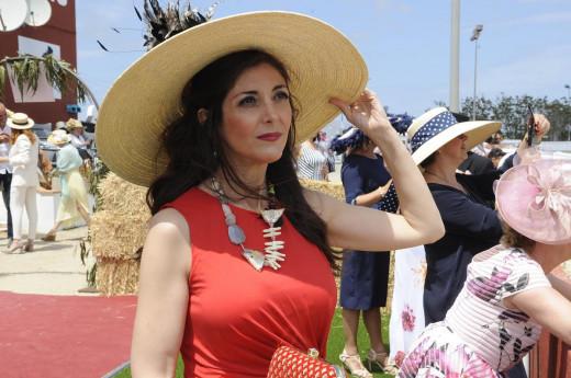 Famosos, carreras, caballos, glamour... una jornada festiva en el hipódromo de Maó (Foto: Tolo Mercadal)