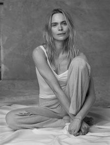 La modelo empezó a practicar yoga al quedar embarazada