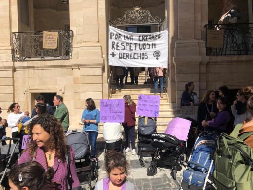 (Fotos) Reivindicando la lactancia materna en Maó