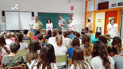 Clase de colegio en Menorca.