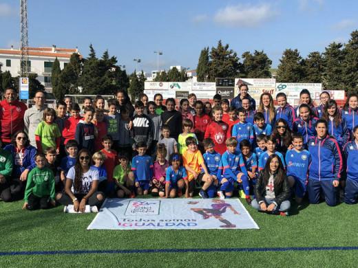 (Fotos) Fútbol para tod@s en Es Mercadal