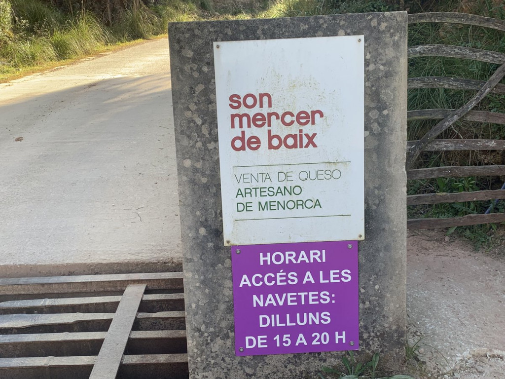 Cartel a la entrada de Son Mercer de Baix (Foto: Camins Ferreries)