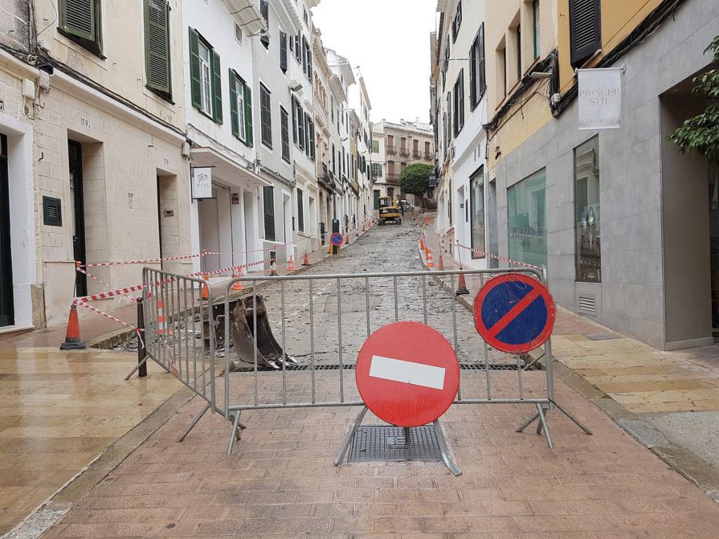 Imagen de las obras en la calle (Foto: Ajuntament de Maó)