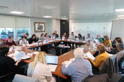 Imagen de la reunión en la que se aprobó el calendario escolar