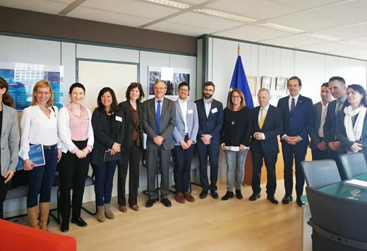 Imagen de la reunión de Marc Pons y Susana Mora en Bruselas