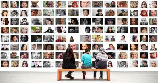 Galería humana. FUENTE.- Pixabay