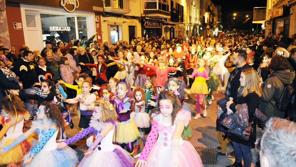 Imagen de un momento del desfile en Maó (Fotos: Tolo Mercadal)