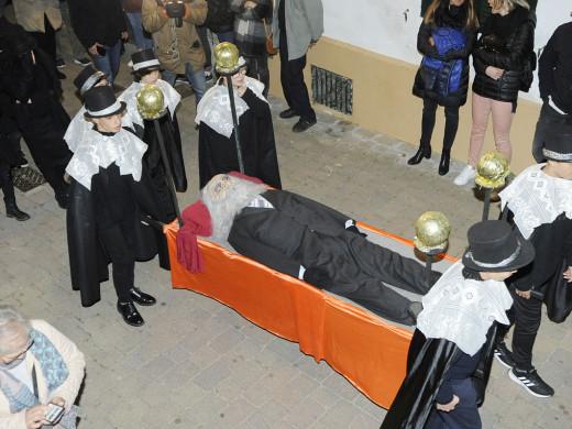 (Fotos y vídeo) Bernat Figuerola descansa en paz…hasta el año que viene