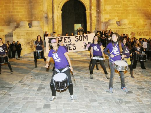 (Fotos) 1.600 personas claman en Maó por la igualdad