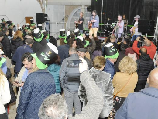 (Fotos) Diversión y buen ambiente en Es Castell en honor a Saint Patrick's