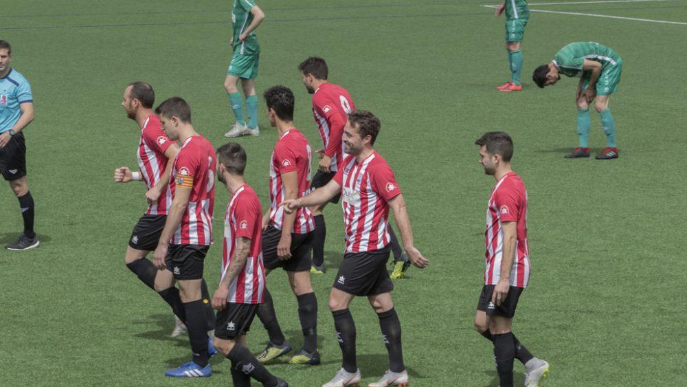 Celebración del primer gol de Guillem (Fotos: Karlos Hurtado)