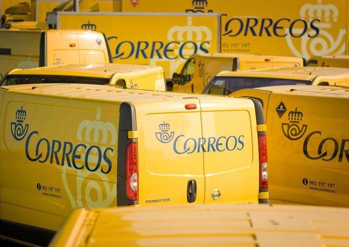 Vehículos de Correos.