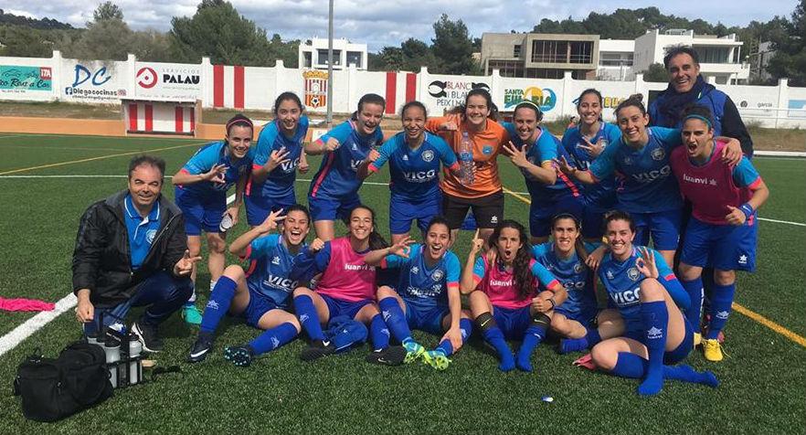 Las jugadoras del Sporting celebran el ascenso.