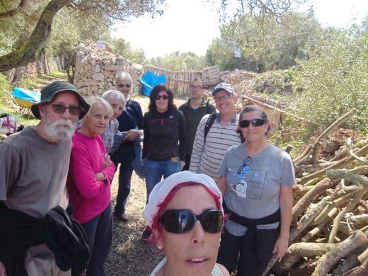 Algunos de los voluntarios de la jornada (Fotos: Associació de Veïns des Castell)
