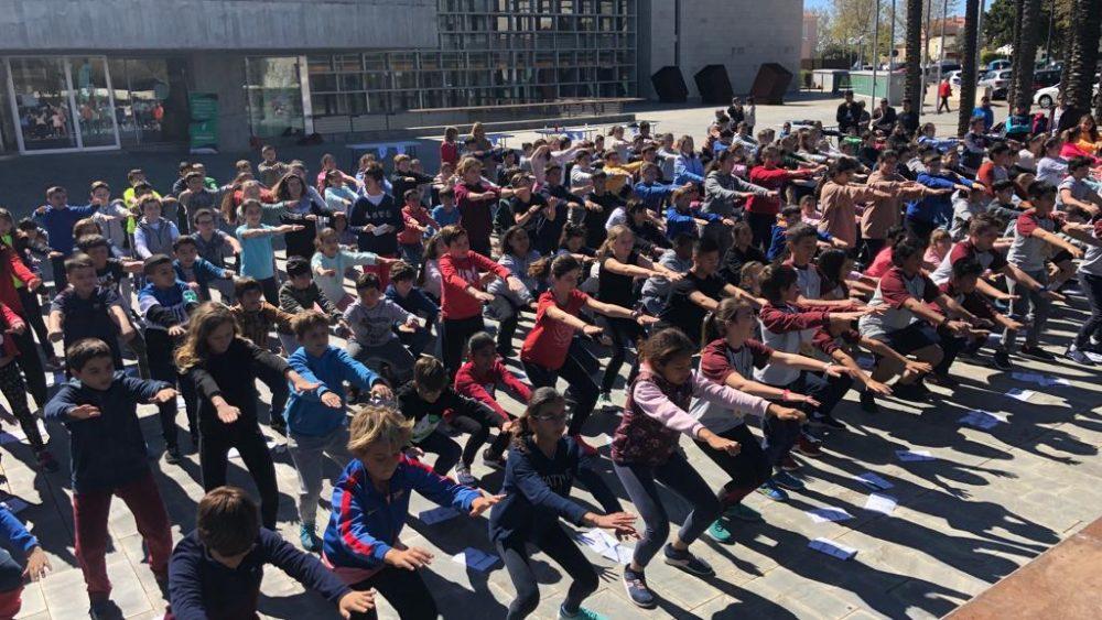 Niños y niñas de Maó han disfrutado de la actividad física (Fotos: Tolo Mercadal)