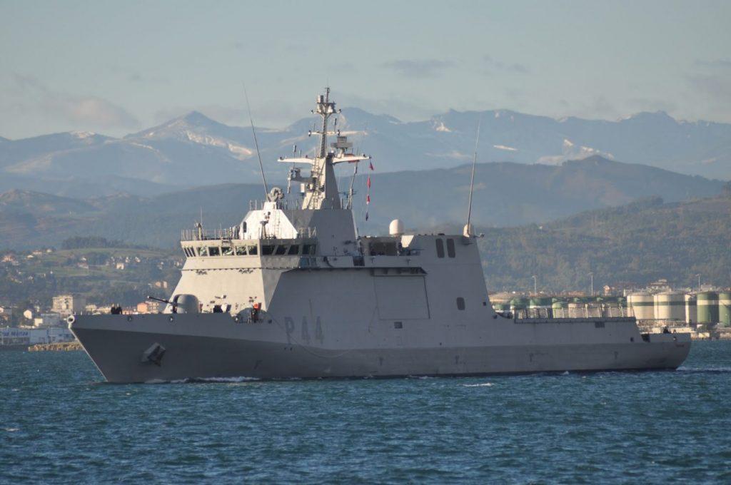 """Imagen del buque """"Tornado""""."""