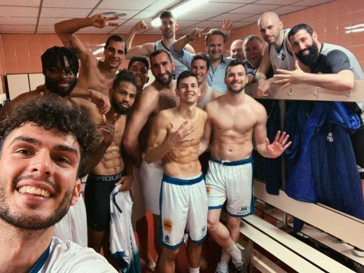 Selfie tras la victoria (Fotos: Hestia Menorca)