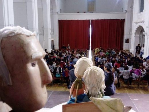 (Galería de fotos) Más de 1.000 personas disfrutan del teatro en Alaior