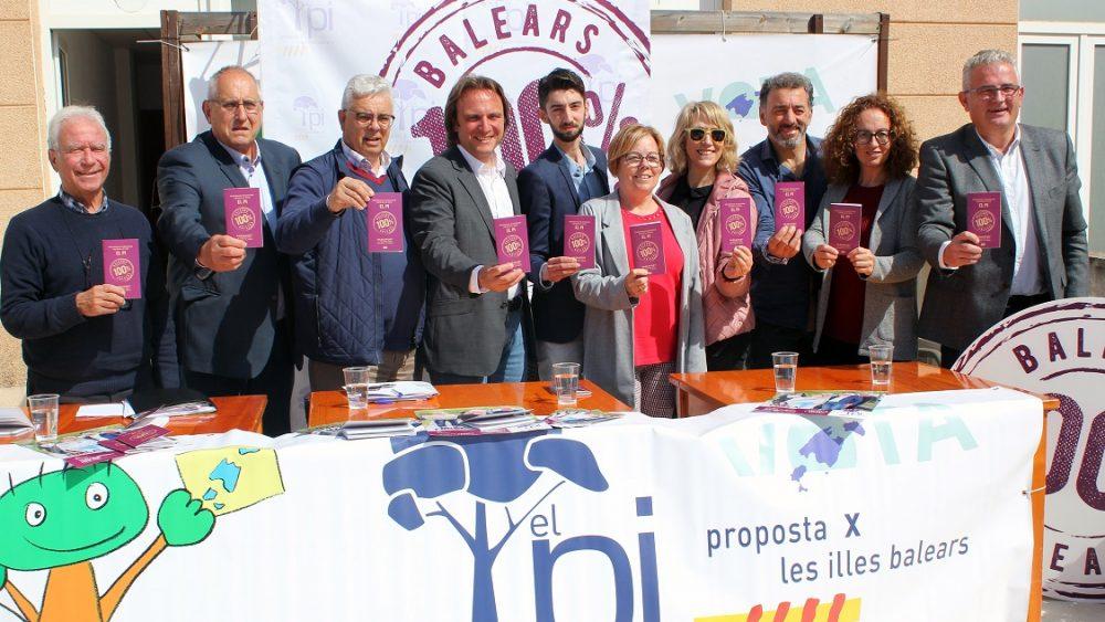 Miembros de El Pi, en Menorca.
