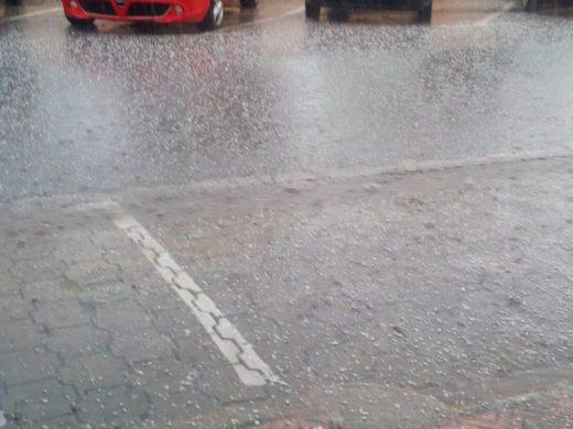 (Vídeo) Lluvia y granizo en Maó