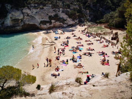 (Fotos) Playas llenas en el inicio de la Semana Santa