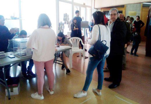 Colas para votar en Sant Climent.