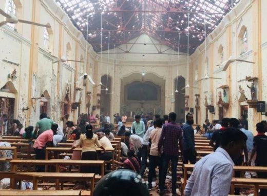 Imágen posterior a uno de los atentados en Sri Lanka