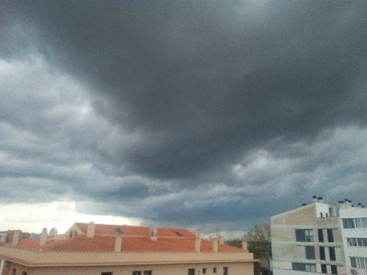 (Fotos) Truenos y relámpagos pero la lluvia esquiva Menorca