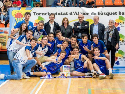 (Galería de fotos) Alaior corona a los campeones