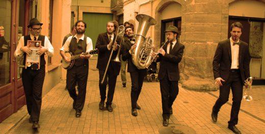 Dixiecat Street Band.