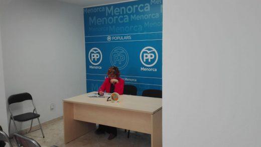 La candidata al Senado del PP, Aurora Herráiz, en la sede de su partido