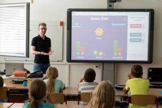 Los profesores recuerdan que la escuela fomenta la pluralidad lingüística