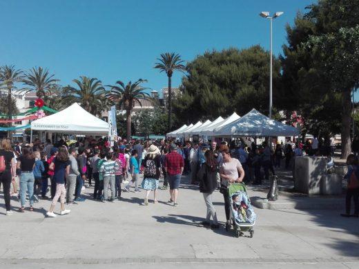 (Fotos) Estudiantes de Menorca exponen sus proyectos empresariales