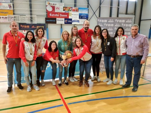 (Fotos) Homenaje a las pioneras del basket en Ciutadella