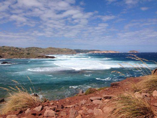 La costa norte de Menorca se verá afectada por el fuerte viento