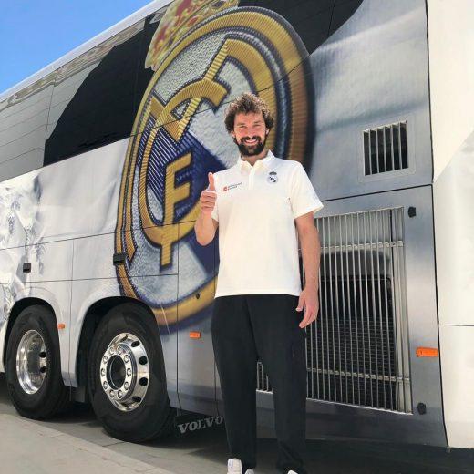 Llull, junto al escudo del Real Madrid.