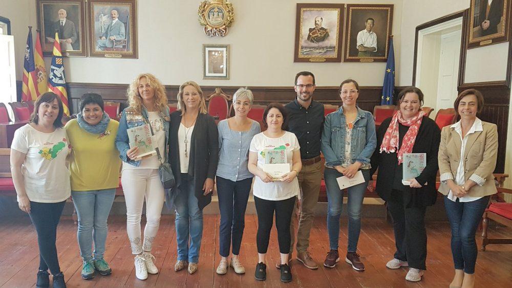 Ganadores y finalistas, en la entrega de premios (Fotos: Ajuntament de Maó)