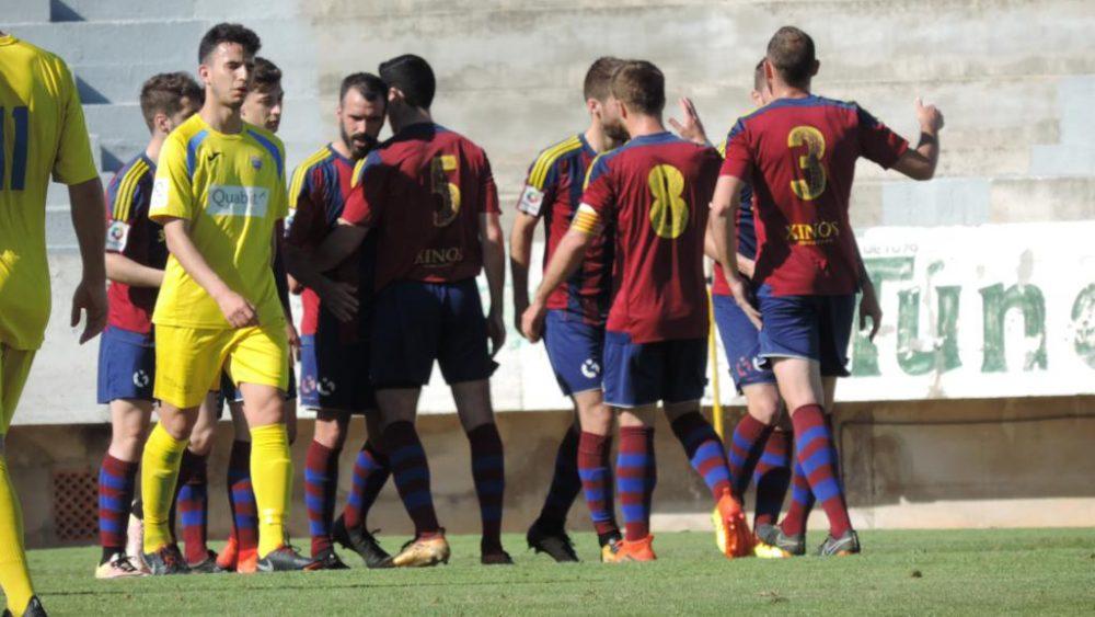 Celebración del primer gol local (Fotos: 3ms para futbolbalear.es)