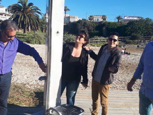 """(Fotos) Vox denuncia """"dejadez"""" en el servicio de limpieza de playas"""