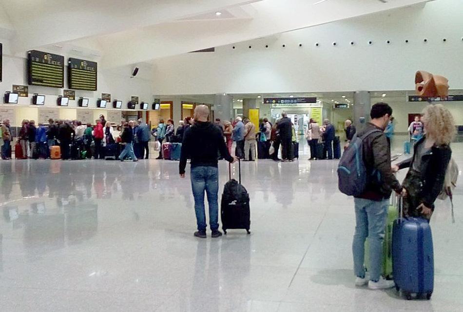 Se tendrá que reducir el número de pasajeros en cada vuelo