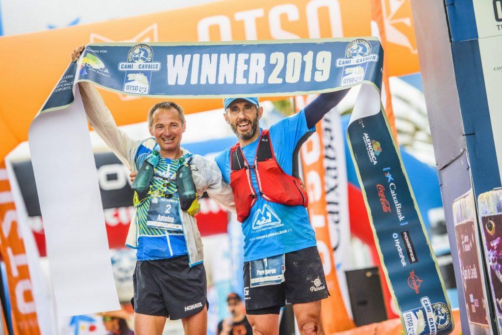 Llegada de los ganadores en categoría masculina (Fotos: Marta Bacardit-MB / José Miguel Muñoz-JMM).