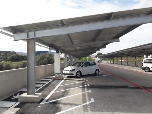 Endesa instala una placa fotovoltaica y 10 puntos de carga en Maó