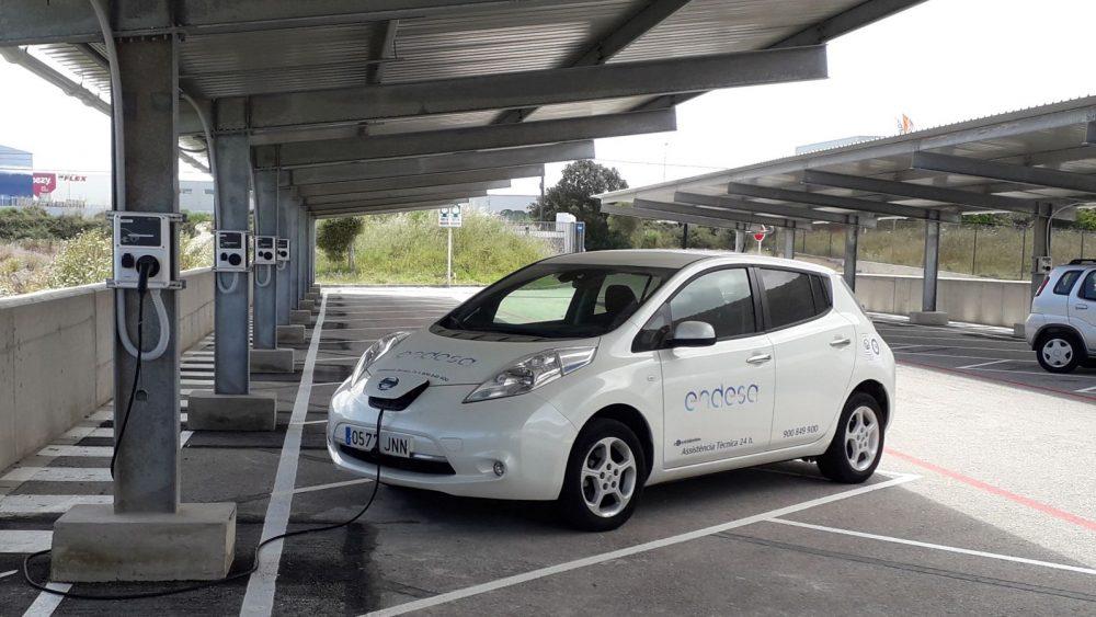 Los puntos de carga se han instalado en el parking (Fotos: Endesa)