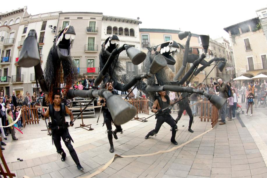 Un espectáculo de títeres basado en las fiestas populares de Menorca