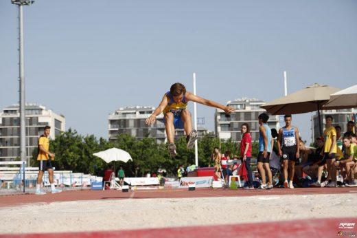 Nicolás Vila, en salto.