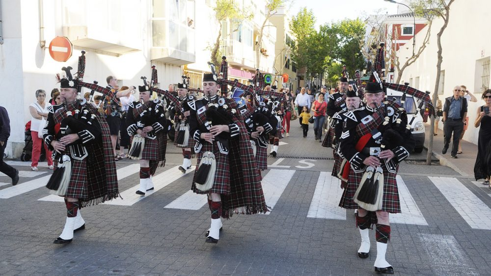 The City of Norwich Pipe Band.