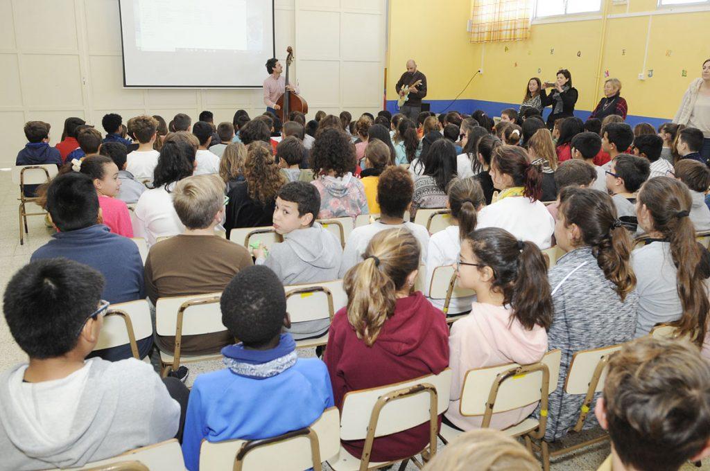 Alumnos en un aula.