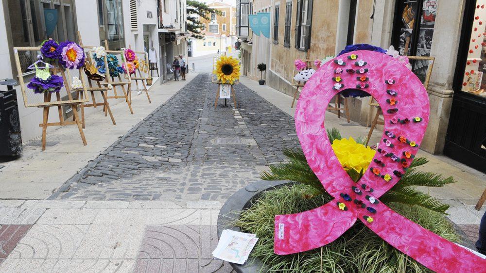 Motivos florales en el centro de la ciudad (Fotos: Tolo Mercadal)