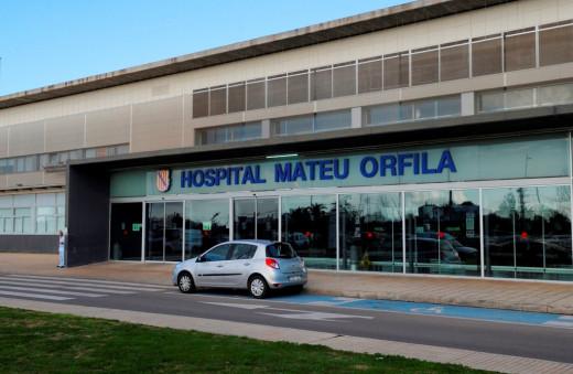 El Hospital Mateu Orfila, es el centro sanitario de referencia en la isla