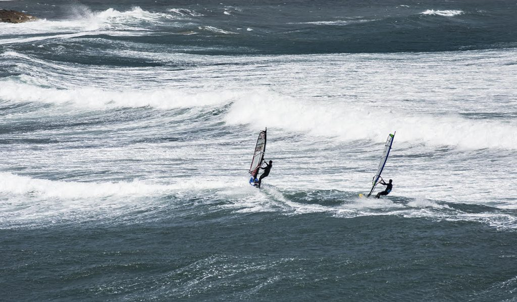 Viento y olas.